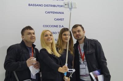 Community Coven - Vinci un´asta selfie!